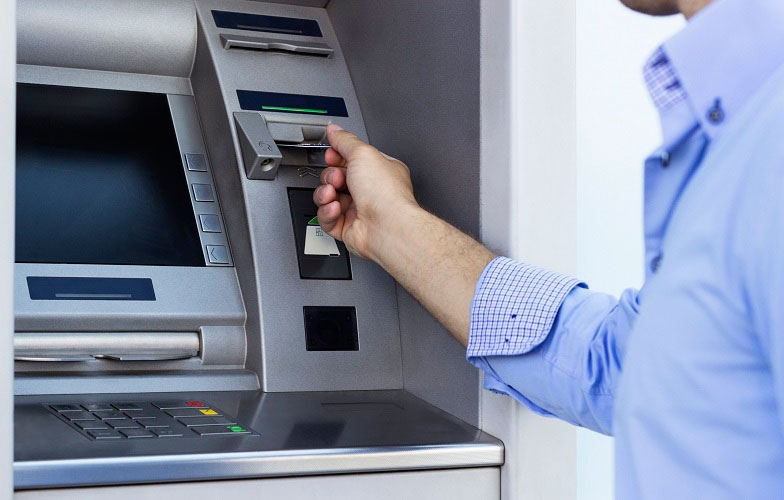 Main picture: Payment terminals in the UAE. How is the bank terminal system organized in the UAE?