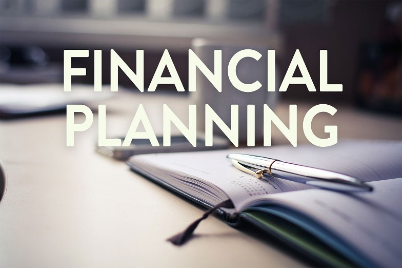 Main picture: Fundamentals of financial planning - a guide for residents of the UAE